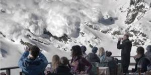 Danger approaching in 'Force Majeure'