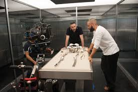Alex Garland & Oscar Isaac on the set of 'Ex Machina'
